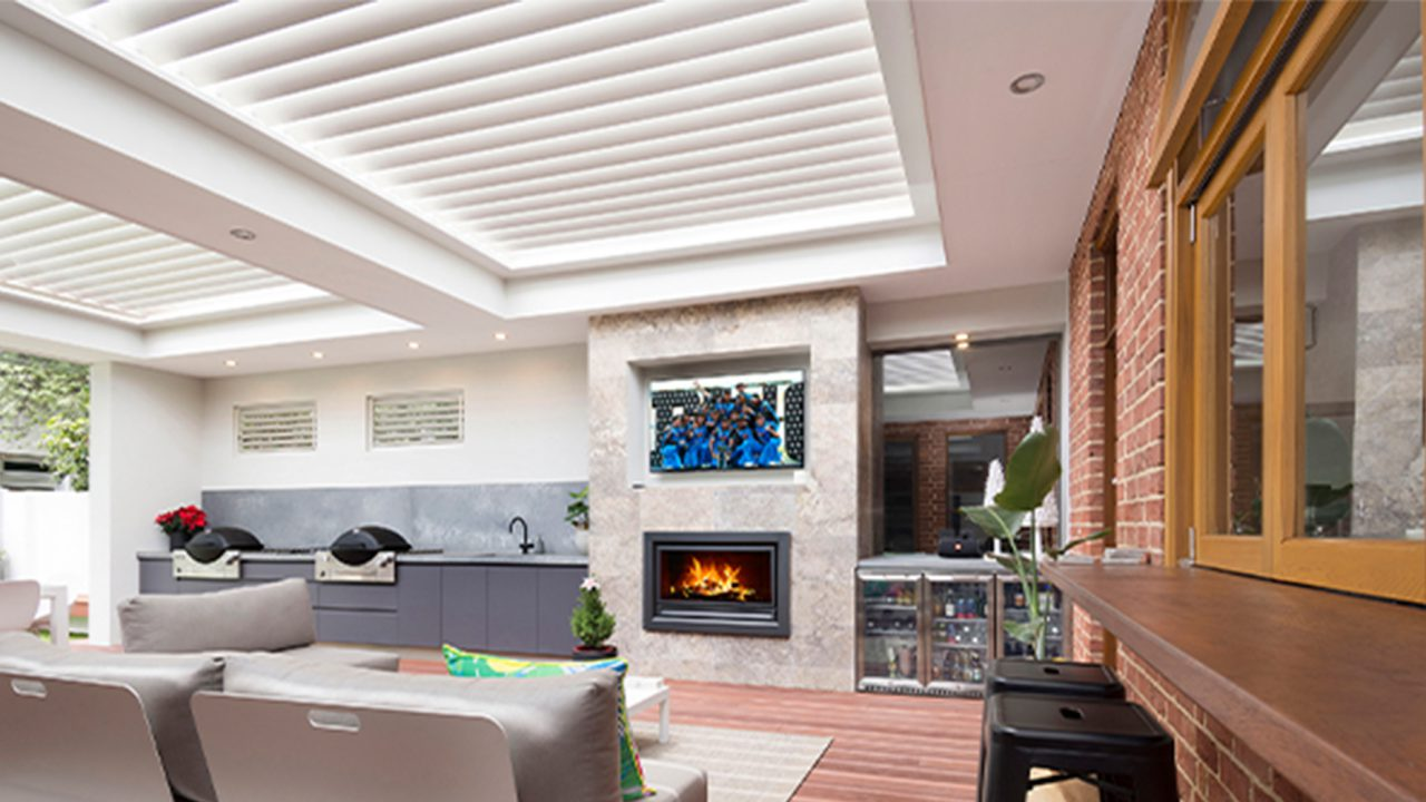 Creative-Outddors-Louvre-Roof-Pavilion-in-Unley-_1000