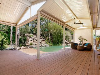 Split-Ridge-Design-Gable-Pergola-by-Creative-Outdoors-in-Tea-Tree-Gully-3_1000