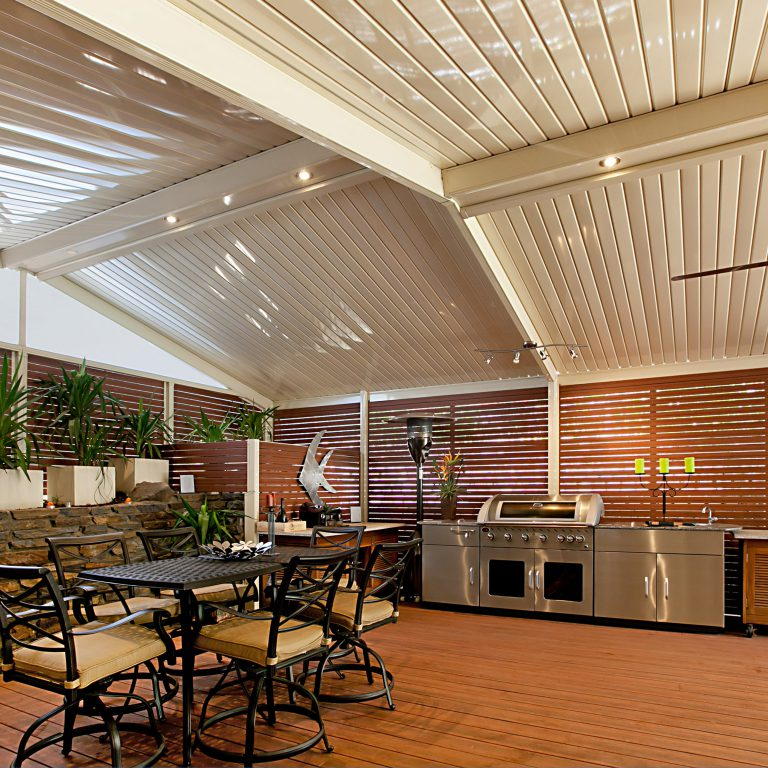 Slat-Screening-by-Creative-Outdoors-in-Tea-Tree-Gully-scaled