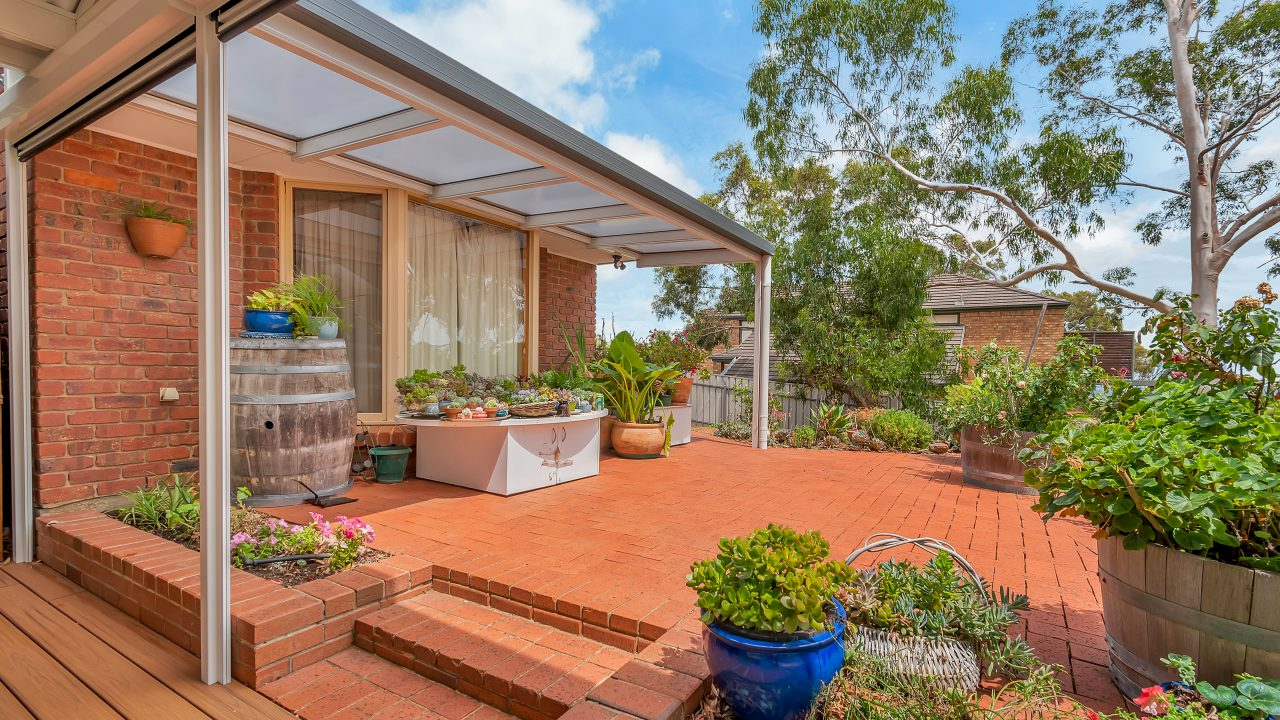 erandah-Flat-with-Flat-Polycarbonate-by-Creative-Outdoors-in-Auldana-scaled