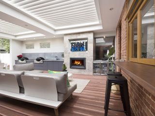 Creative-Outddors-Louvre-Roof-Pavilion-in-Unley-3-scaled