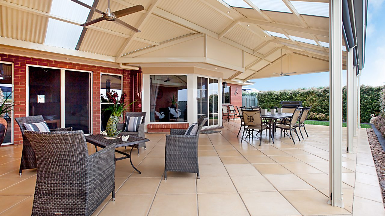 8-Roof-and-Pergola-Design_CUSTOM-Intersecting-Gable-Creative-Outdoors-1-Square